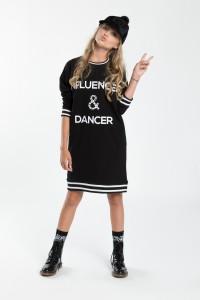 Dziewczęca sukienka z nadrukiem Influencer