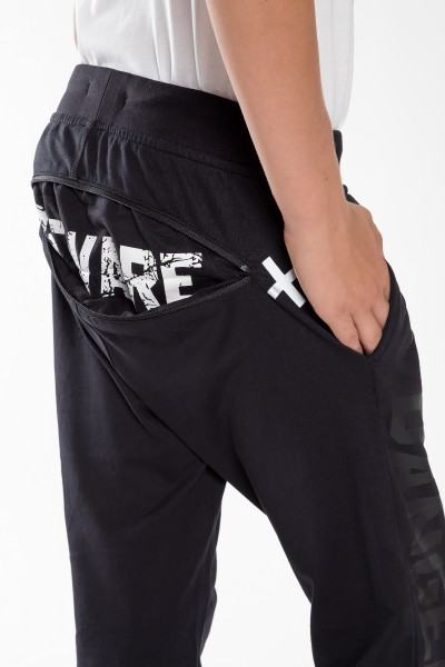 Chłopięce spodnie dresowe z nadrukiem Danger