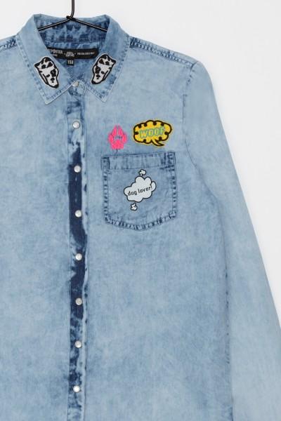 Dziewczęca koszula dżinsowa z naszywkami Love it