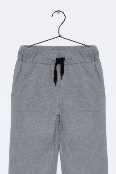 Chłopięce spodnie dresowe z aplikacją Freak