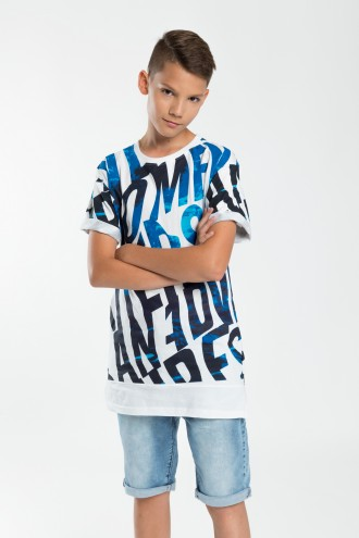 T-shirt dla chłopaka z niebieskimi napisami