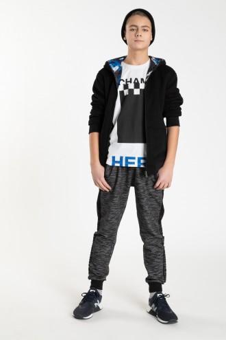 Szare spodnie dresowe z napisami dla chłopaka