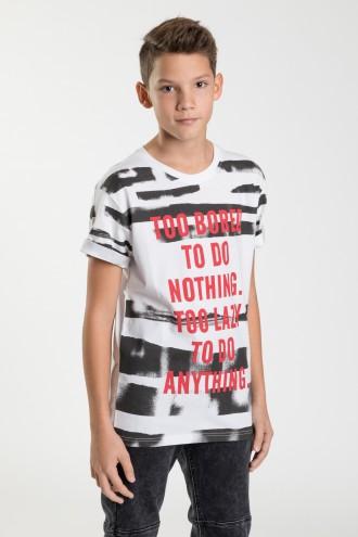T-shirt dla chłopca z czerwonym napisem