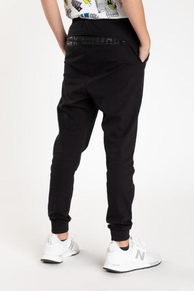 60eb023b1ad9f Czarne spodnie dresowe dla chłopaka Czarne spodnie dresowe dla chłopaka