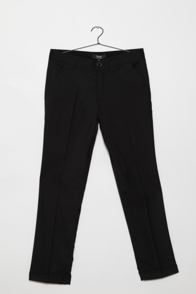Czarne eleganckie spodnie dla chłopaka