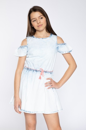 Jeansowa sukienka cold shoulders z wiązaniem w pasie