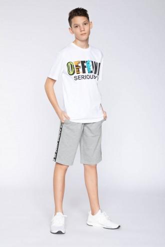 Krótkie spodnie z ozdobną lamówką dla chłopaka