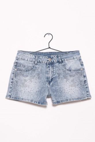 Jeansowe szorty z ozdobnymi pinami