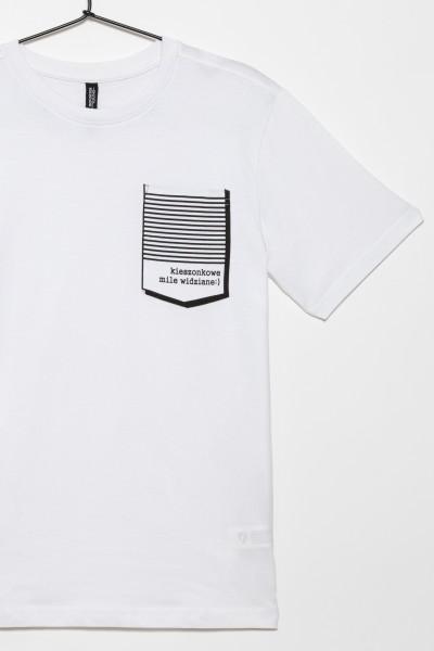 Biały T-shirt dla chłopaka z nadrukiem kieszonki