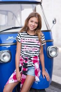 T-shirt w paski dla dziewczyny