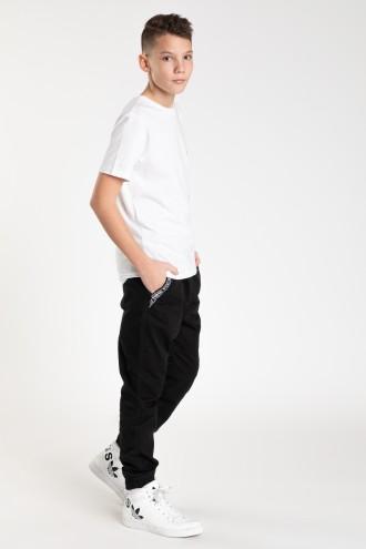 Czarne spodnie dla chłopaka