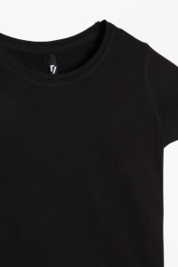 Klasyczny czarny T-shirt dla dziewczyny