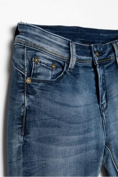 Dziewczęce jeansy z ozdobnymi przetarciami