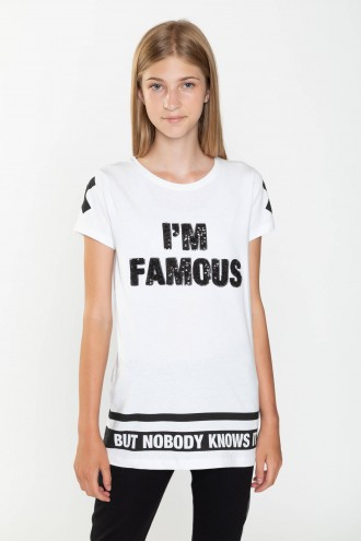 Biały T-shirt przedłużany FAMOUS