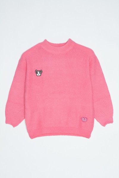 Różowy sweter z buldożkiem