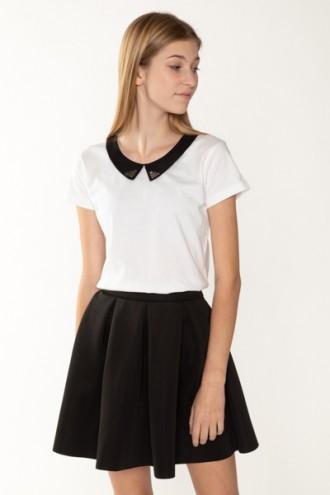Biały T-shirt z kołnierzykiem dla dziewczyny