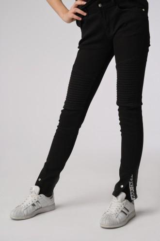 Czarne dopasowane spodnie dla dziewczyny
