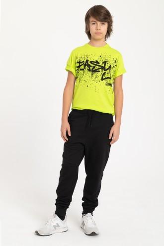 Czarne spodnie dresowe z wystającą gumą w pasie
