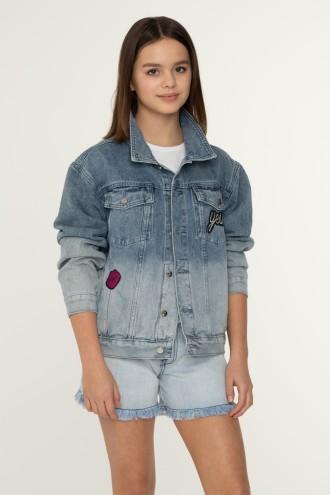 Jeansowa kurtka dla dziewczyny z aplikacją na plecach