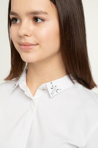 Biała koszula dziewczęca z kryształkami na kołnierzyku