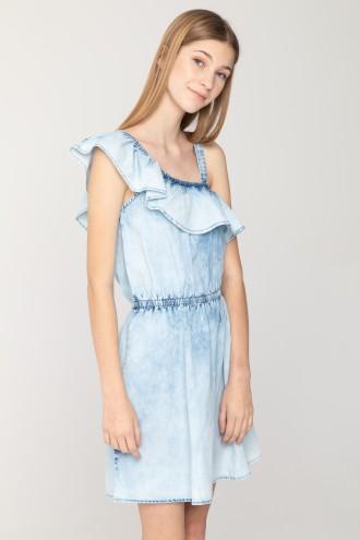 Jeansowa sukienka z odsłoniętym ramieniem