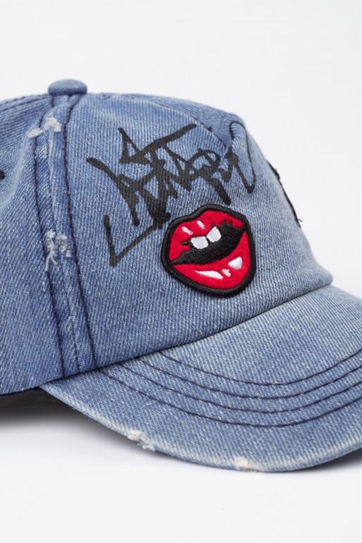 Jeansowa czapka z daszkiem dla dziewczyny z naszywkami