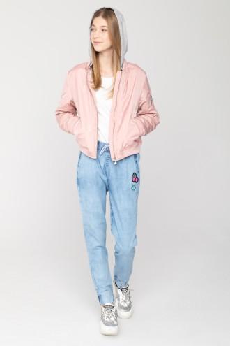 Jeansowe joggery z naszywkami dla dziewczyny
