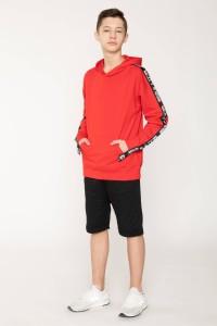 Czerwona bluza z kapturem i lampasami dla chłopaka