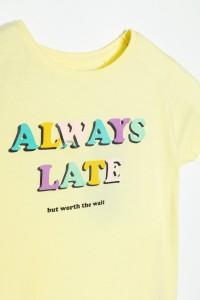 Żółty T-shirt dla dziewczyny always late by SONIA ŻUGAJ